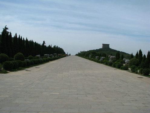 中国风水宝地武则天墓地图 进入墓地神道